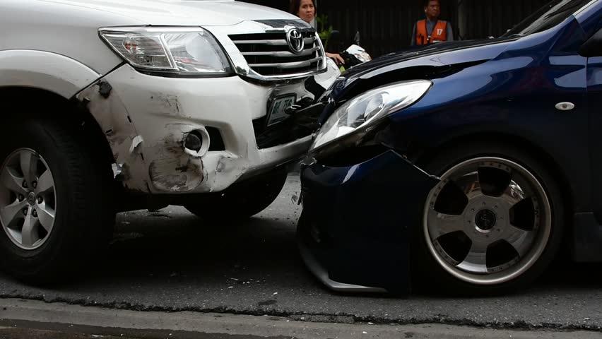 poistné krytie, alkohol, havarijná poistka, nehoda, autá