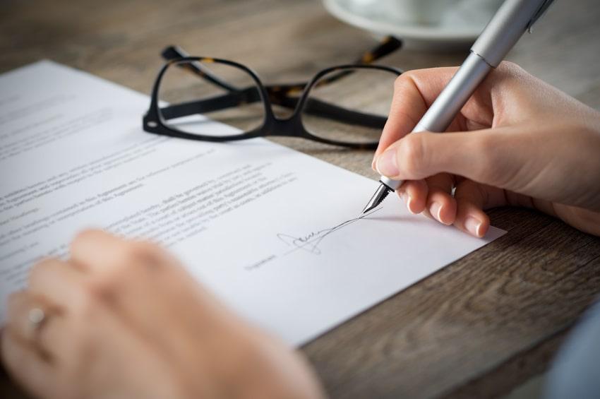 havarijné poistenie, výpoveď havarijného poistenia, podpísanie výpovede, podpisovanie zmuvy