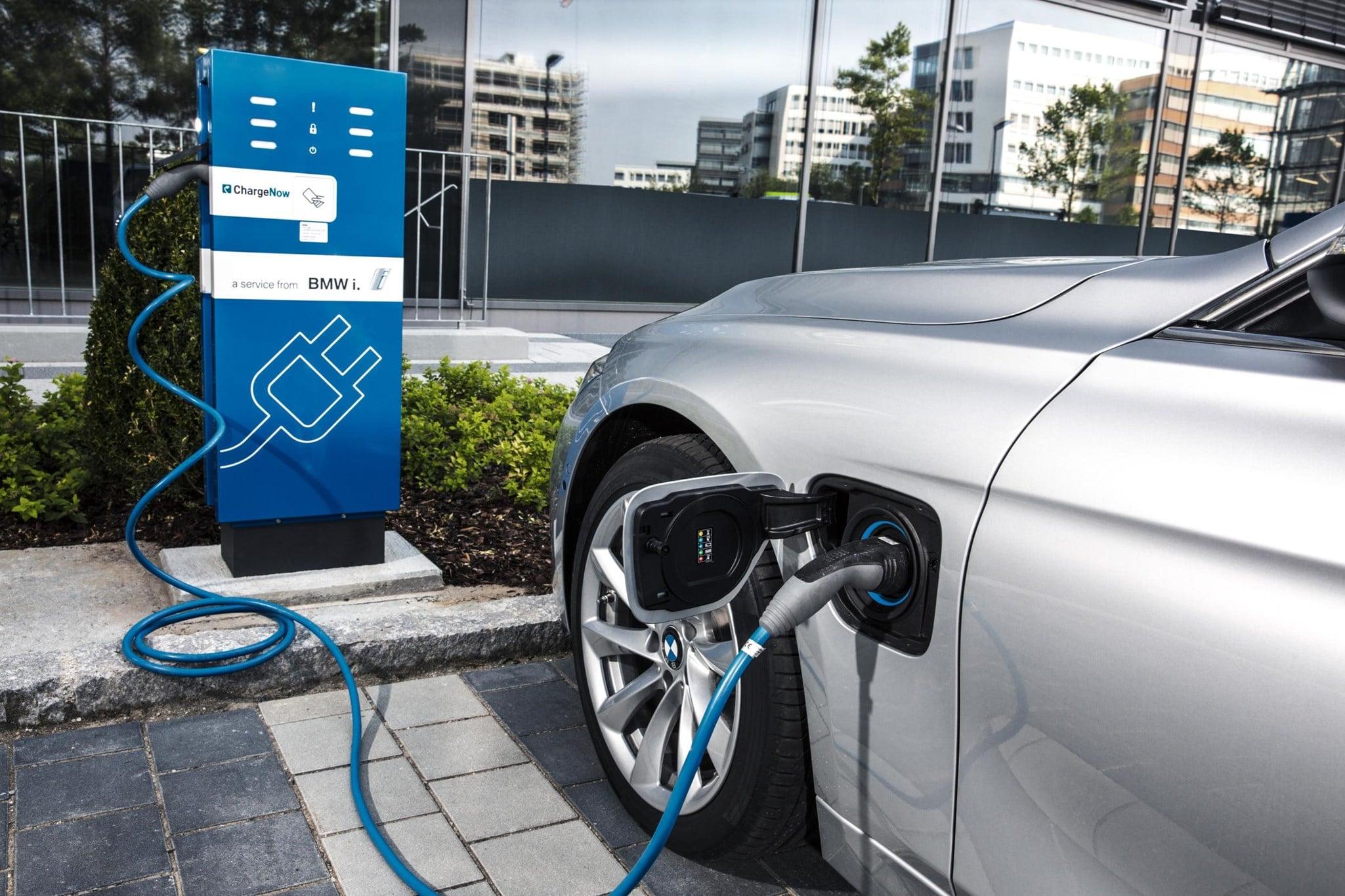 hybrid, plugin hybrid, dobíjanie hybridu, elektrické vozidlá, hybridné vozidlo vs elektrické auto, moderné hybridy