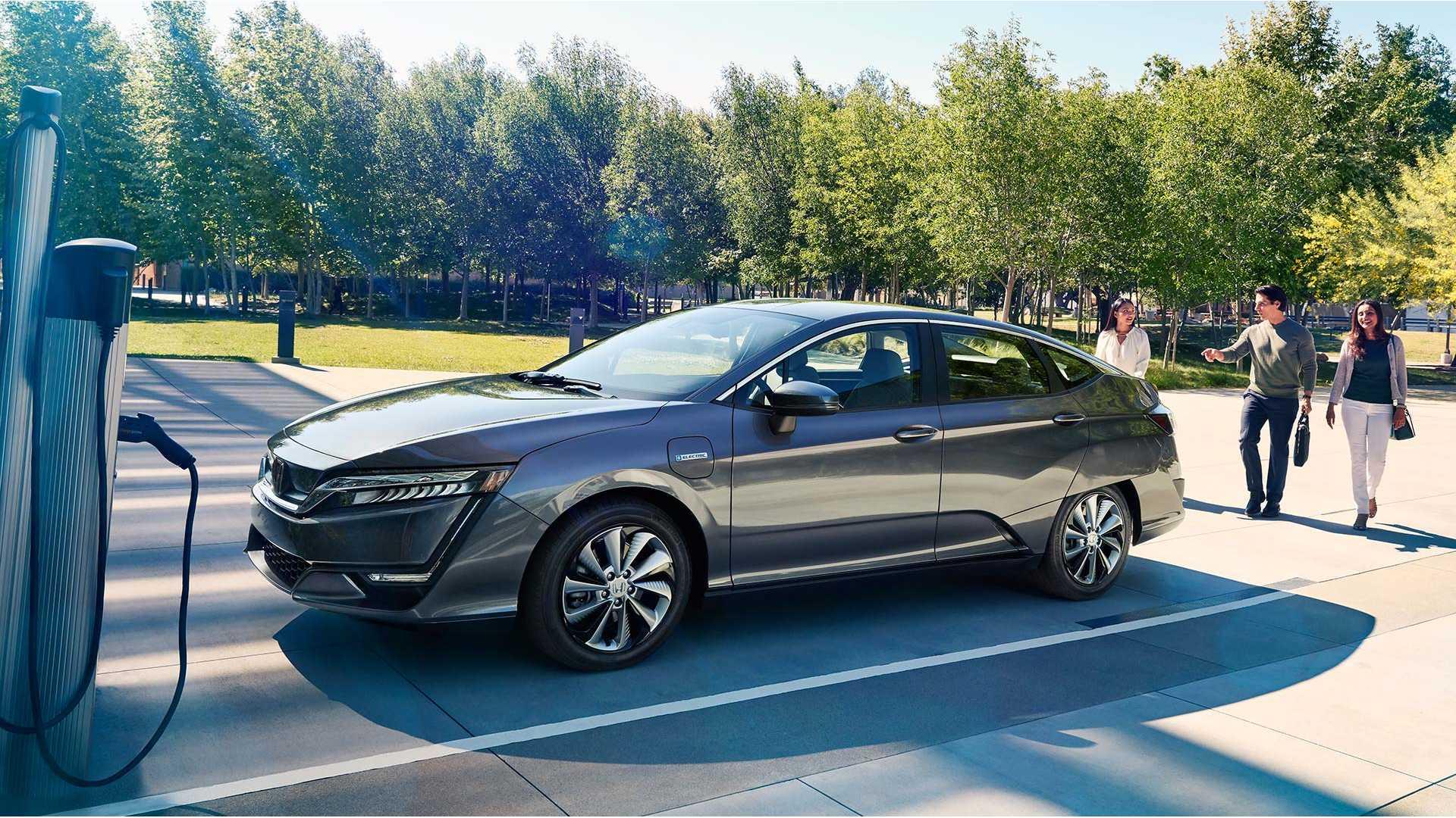 hybrid, plugin hybrid, dobíjanie hybridu, elektrické vozidlá, hybridné vozidlo vs elektrické auto, rodinné auto, nabíjacia stanica