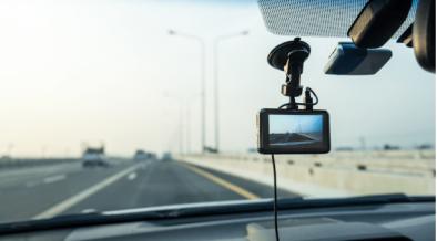 autonehoda, dôkaz neviny, dopravná nehoda, vinník, kamera, kamera v aute, videozáznam, hlavný dôkaz